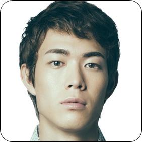 宮沢氷魚は韓国人のハーフ?父親に似てそっくりだけど目の色は?